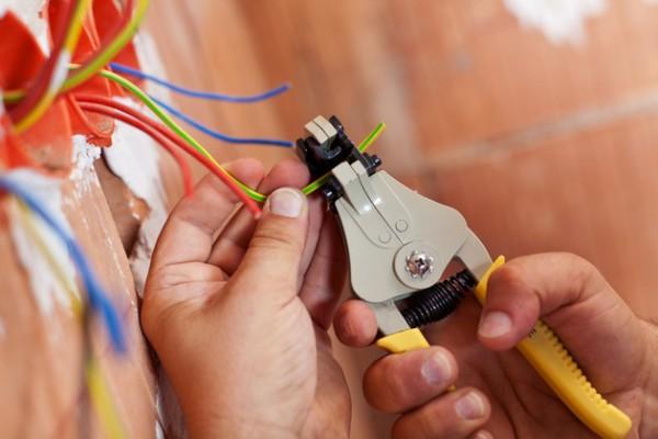 Укладка электрических проводов. Качественно, оперативно, безопасно